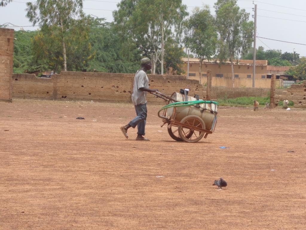 vendeur d'eau potable/Ouagadougou